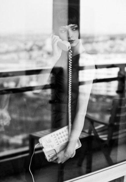 donna telefono.jpg